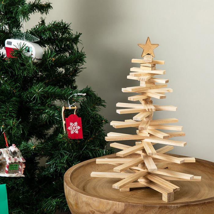 Alberi Di Natale In Legno.Albero Di Natale In Legno Pieghevole Scandi La Chaise Longue